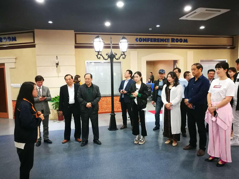 嘉兴市服装lovebet体育娱乐网址沙龙2018年第二期活动在平湖市成功举办